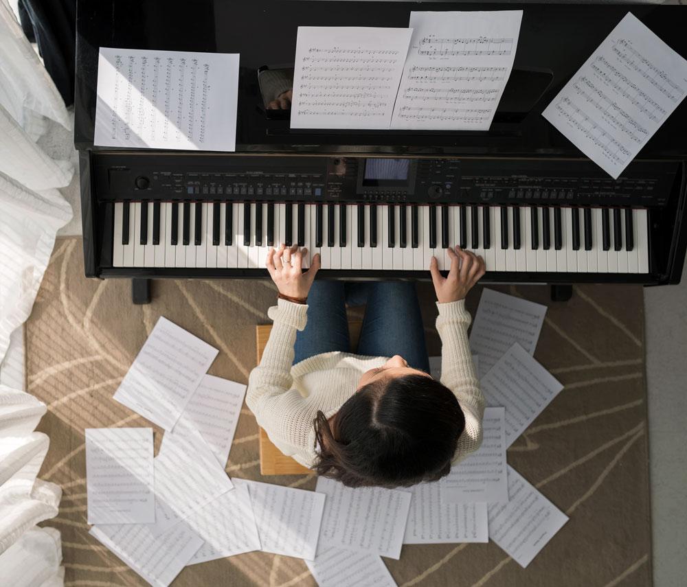 Og Bak Pianoet Sitter… Om Akkompagnatørens Rolle I Koret