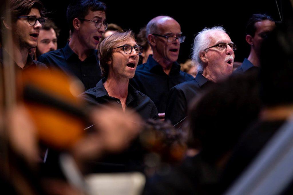 Internasjonalt kor synger Beethoven