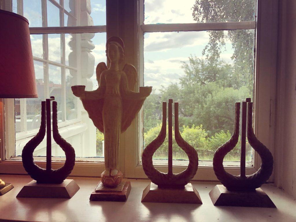 Tre spellemannpriser i vinduet